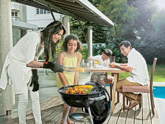 Le Barbecue Weber Compact Kettle 47cm est un barbecue à charbon familial