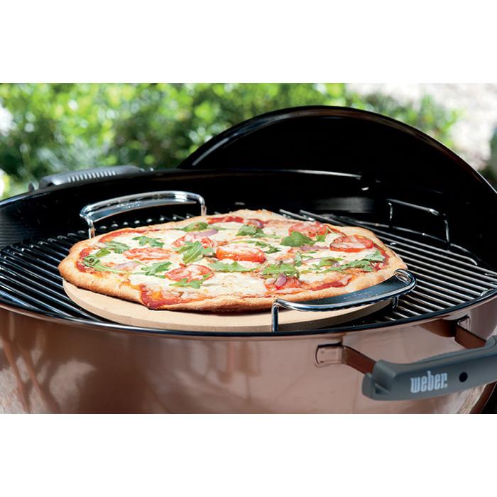 pierre pizza weber pour gourmet bbq system. Black Bedroom Furniture Sets. Home Design Ideas