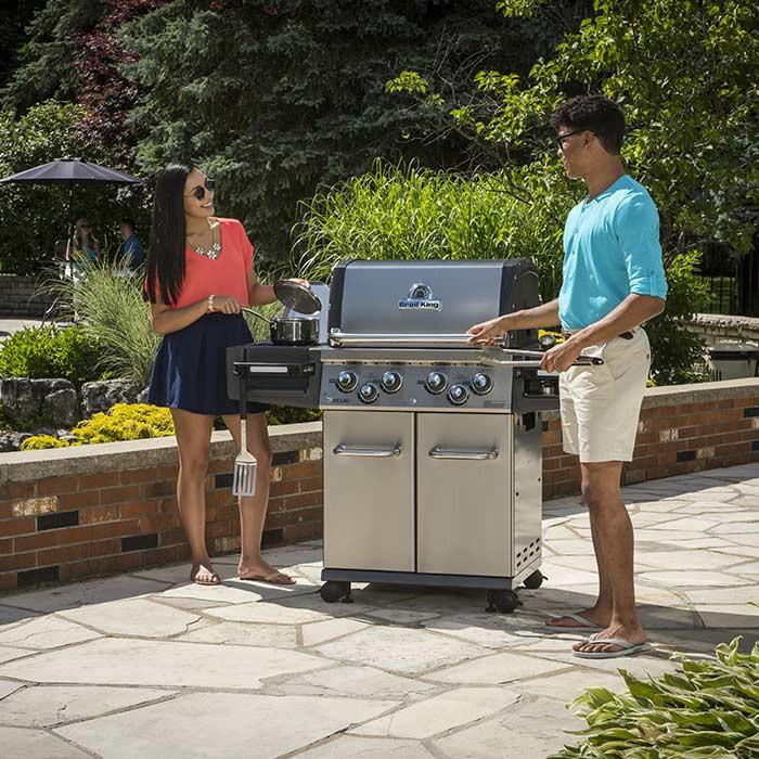 Barbecue à gaz 4 feux Broil King REGAL 490 Pro Argent
