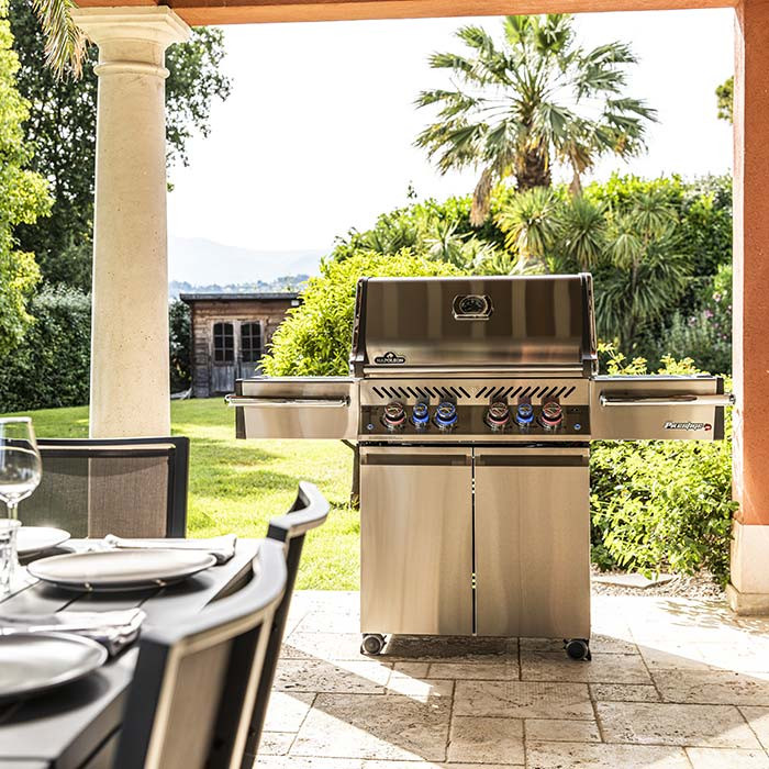 Barbecue à gaz Napoleon PRESTIGE P500 Inox 2020