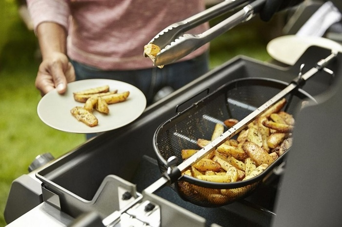 Panier pour rôtissoire Weber ambiance frites