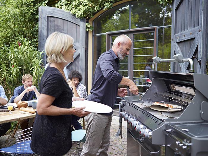 Multicuisson grâce aux grilles GBS du Barbecue Weber Genesis II E-315