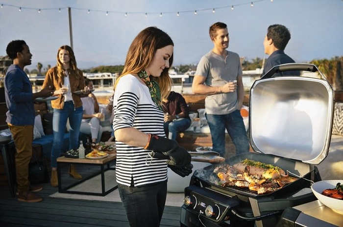Barbecue électrique Weber Pulse pour la ville