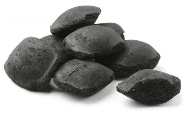 Catégorie charbon de bois et briquettes pour barbecue à charbon